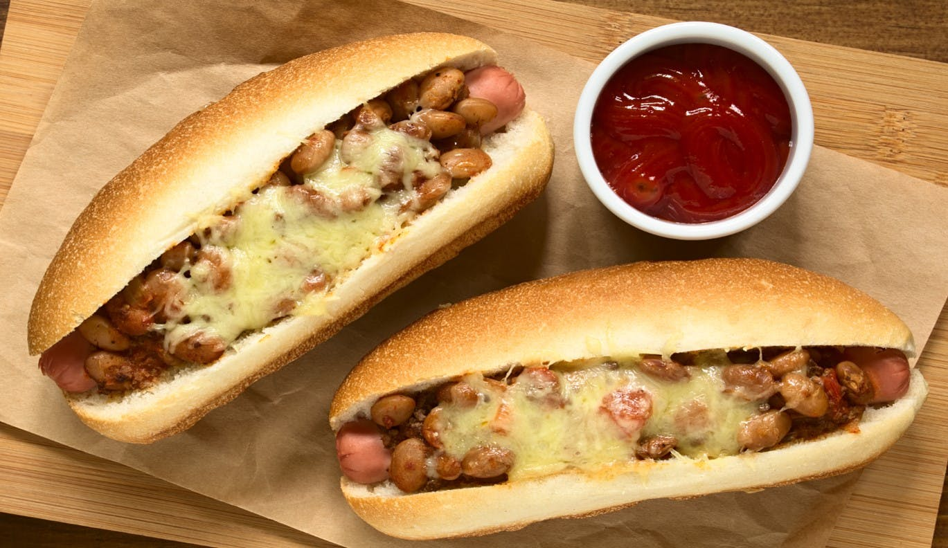 Ultimate Chilli Cheese Hot Dogs