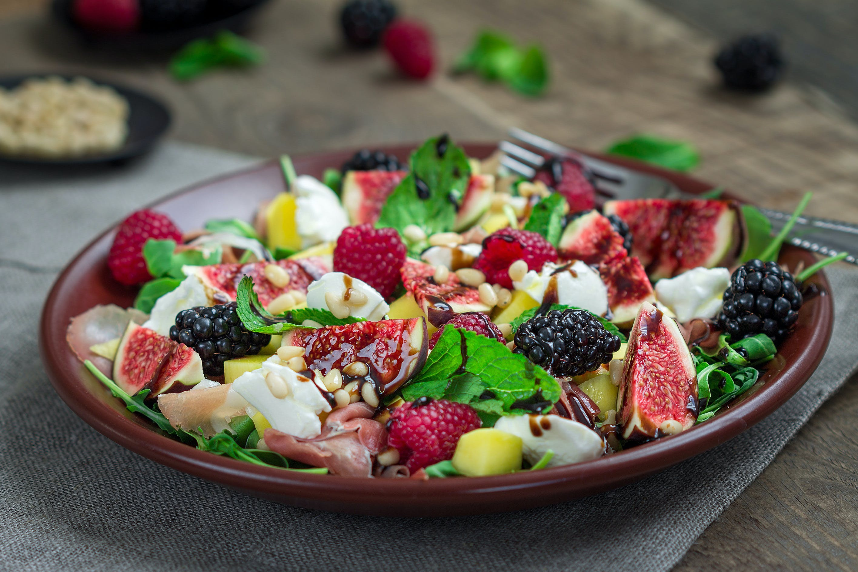 Fresh Summer Salad with Figs, Feta and Parma Ham