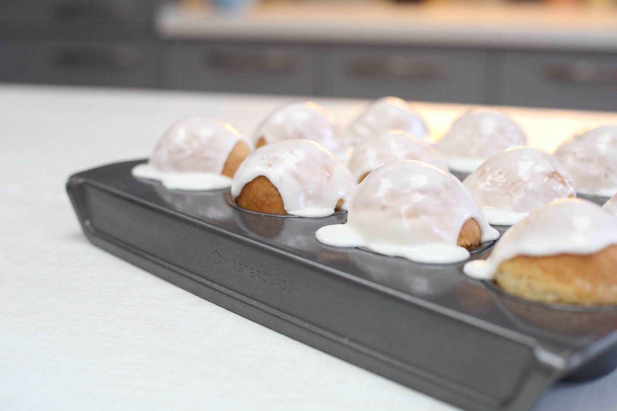 Lemon Iced Buns
