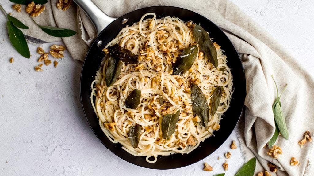 Walnut Pesto Pasta
