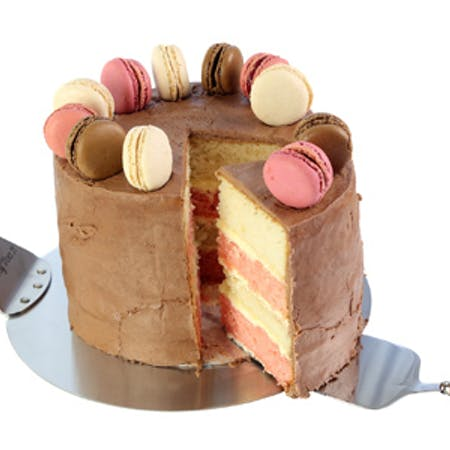 Layered Cake with Macaroons