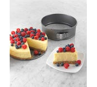Chicago Metallic Non-Stick 23cm Spring Form Cake Pan