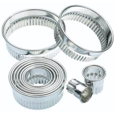 KitchenCraft Eleven Fluted Cutters With Metal Storage Tin