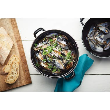 KitchenCraft World of Flavours Mediterranean Individual Mussels Pot
