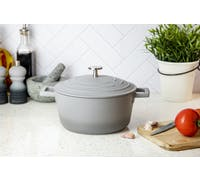MasterClass Lightweight 2.5 Litre Casserole Dish with Lid - Ombre Grey